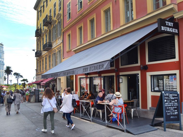 Владелица Try Burger в Ницце: европейцев нельзя заставить есть борщ
